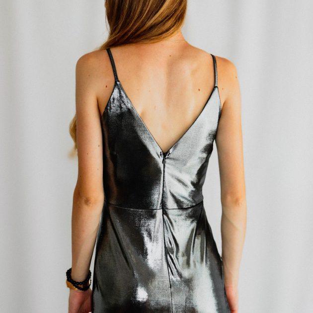 Dlhé šaty strieborné - lesklé