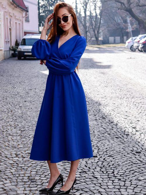 Midi šaty s výstrihom MODRÁ