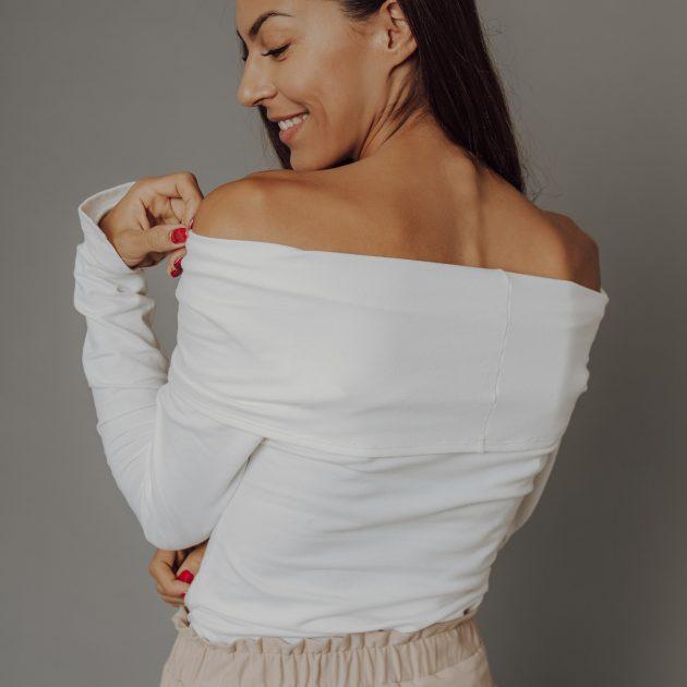 Biele tričko s padavým výstrihom